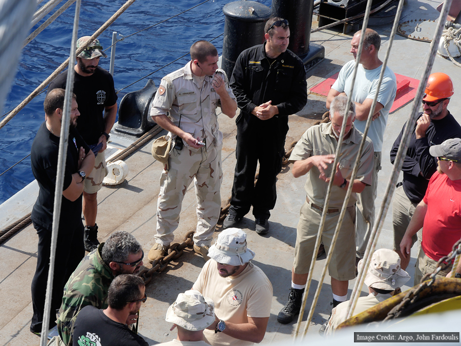 Briefing after the hook test.